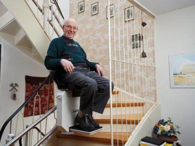 Come-scegliere-un-montascale-per-anziani