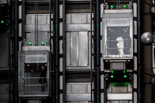 Mini ascensori interni per appartamenti soluzioni e for Archi per interni appartamenti