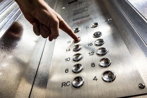 Pulsantiera ascensore: cos'è e a cosa serve