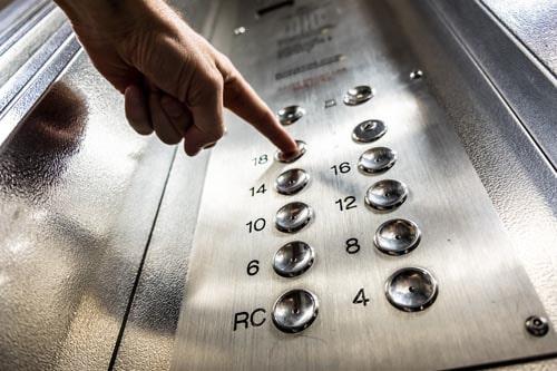 Pulsantiera-ascensore-cos-e-e-a-cosa-serve