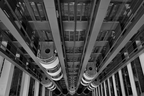 Cosa-centra-l-amministratore-di-condominio-con-l-ascensore