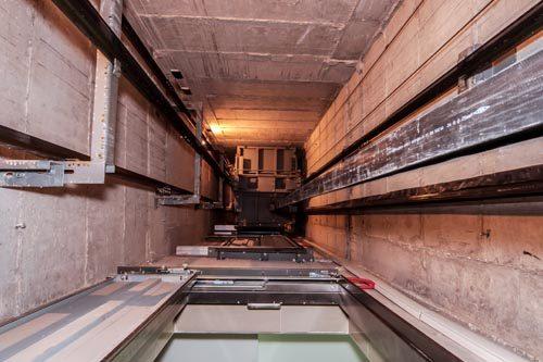 Illuminazione, accesso e fossa ascensore: normativa