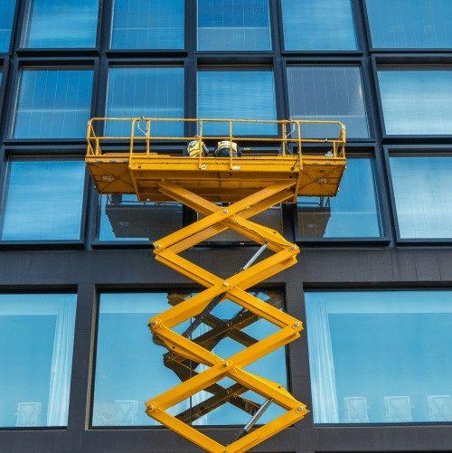 Piattaforma elevatrice industriale: guida informativa